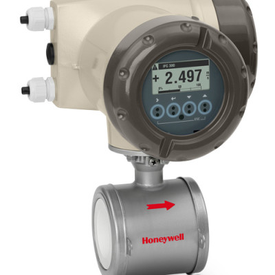 Honeywell Versaflow Electro Magnetic (Magflow) flowmeter - sandwich mount