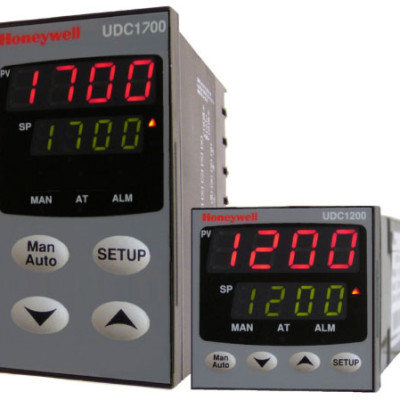 Honeywell UDC1200 and UDC1700 Digital Controllers