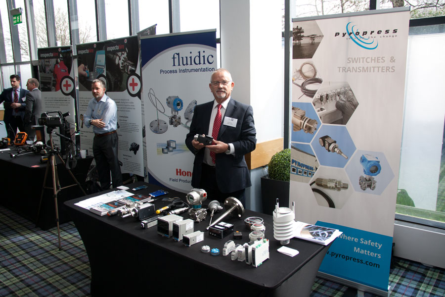 Fluidic's Pat Fox presents at the HMNB Clyde exhibition April 2017